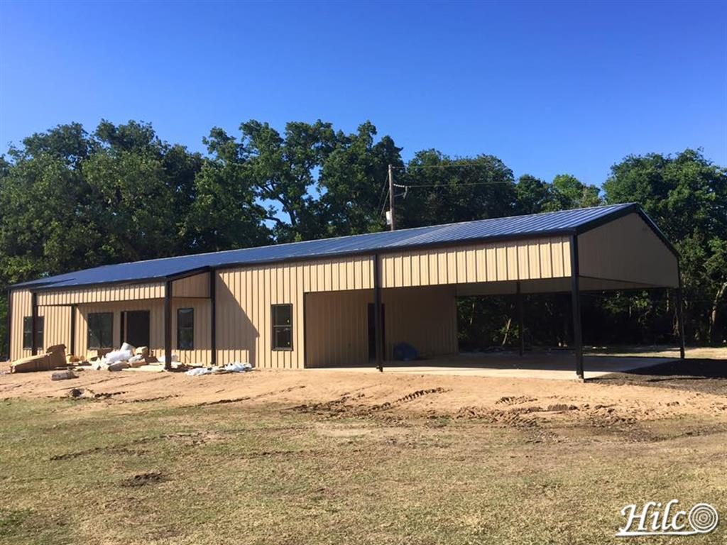 Large Metal Building with Covered Drive / Carport / Porte Cochere
